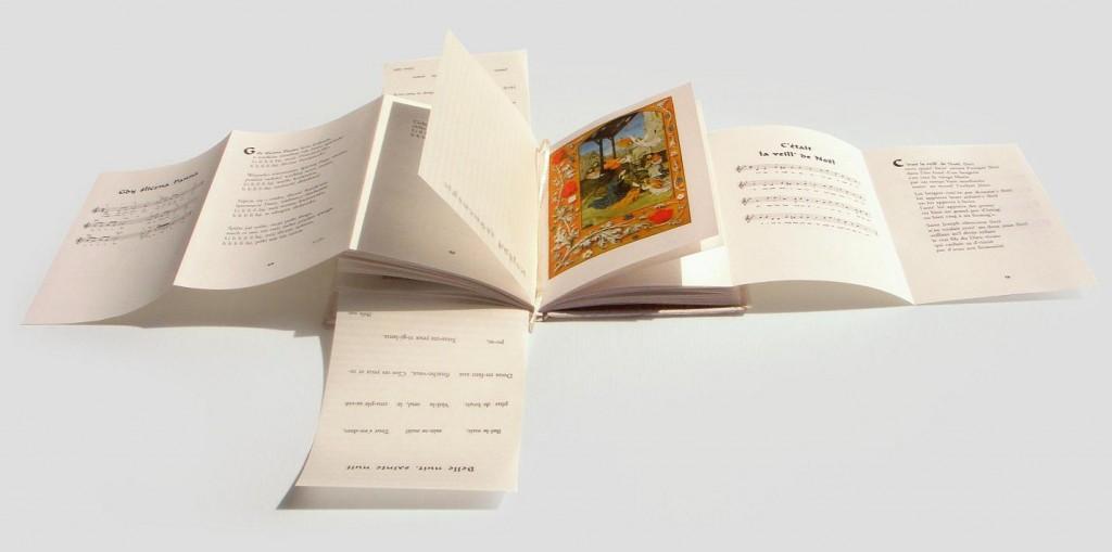 """""""Śpiewnik kolęd"""", edycja polsko-francusko- angielska,  książka artystyczna, Wydawnictwo i Introligatornia Artystyczna Kurtiak i Ley Koszalin"""