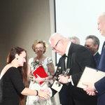 Nagrodę Superwiktoria i Lider Introligatorstwa Artystycznego odbiera Urszula Kurtiak