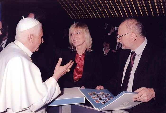 Ekskluzywny prezent: nasze prace są wręczane papieżowi - Benedykt XIV