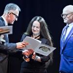Wręczanie Złotego Medalu 2014 Urszuli Kurtiak i Edwardowi Ley