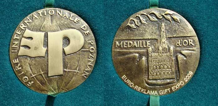 Złoty medal na Międzynarodowych Targach Poligraficznych Poznań 2009 dla Wydawnictwa Artystycznego Kurtiak i Ley za książki z malowanym brzegiem