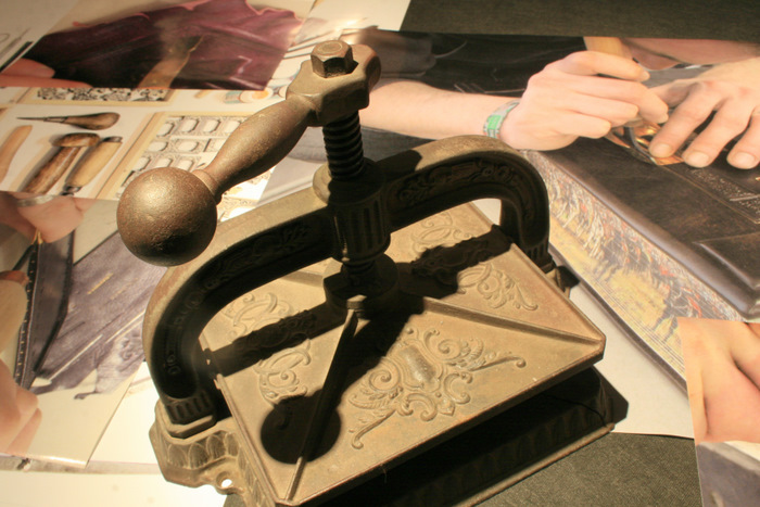 wystawa-sztuka-introligatorstwa-ksiazka-artystyczna07muzeum-literatury
