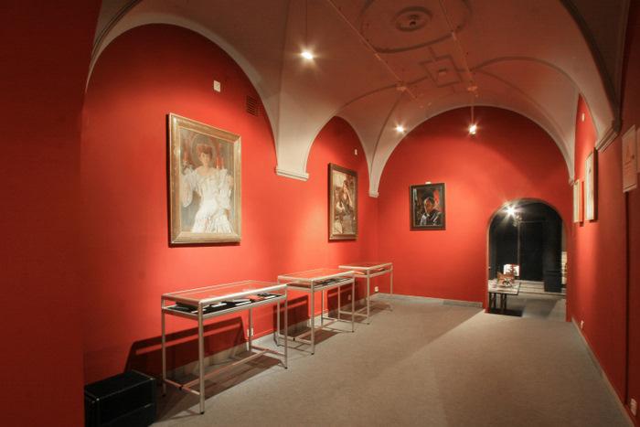 wystawa-sztuka-introligatorstwa-ksiazka-artystyczna10muzeum-literatury